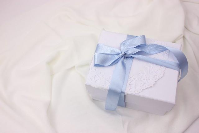 blueリボンプレゼント