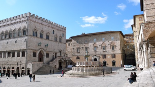 the splendid Piazza IV Novembre in Perugia