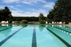 23-woodridge lake pool perfect