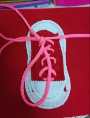 aprender a atar zapatos