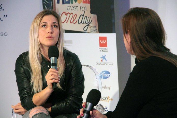 Beatriz Recio, directora de WomanTalent, y la influencer Andrea Rodríguez