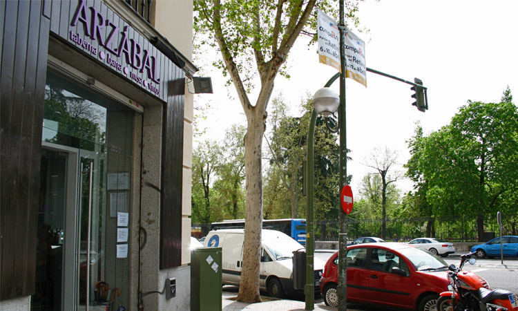 Arzabal en Mennéndez Pelayo, frente al Retiro