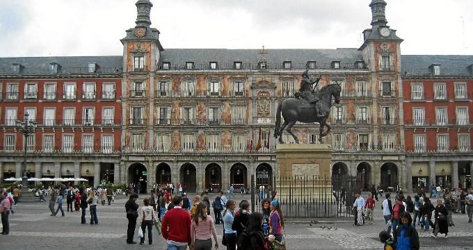 Más de 848.000 personas visitaron la ciudad de Madrid en octubre