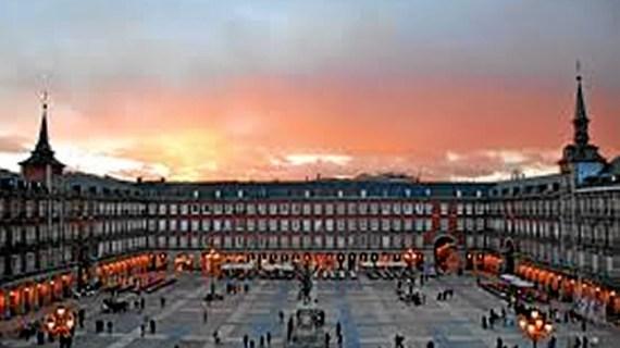 Unión institucional para conmemorar el IV Centenario de la Plaza Mayor