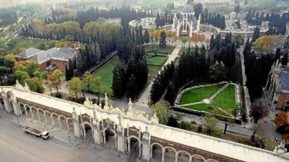 El cementerio de La Almudena acoge el 'I Concierto del Silencio'