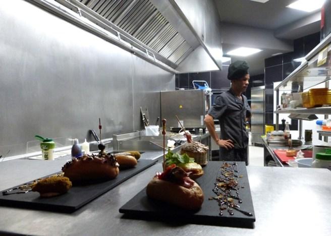 Cocina. LA FARÁNDULA DE CHAMBERÍ en los Teatros Luchana