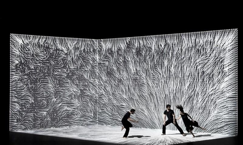 Le mouvement de l'air (El movimiento del aire) en los Teatros del Canal