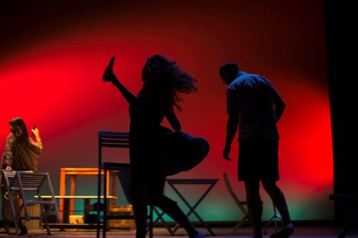 VIENTOS DE LEVANTE de Carolina África en el Teatro Español