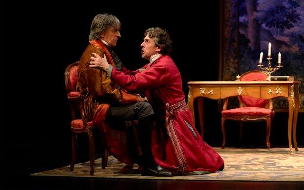 VOLTAIRE / ROUSSEAU. La disputa en el Teatro María Guerrerov
