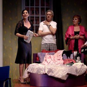 SÉ INFIEL Y NO MIRES CON QUIÉN en el Teatro Amaya