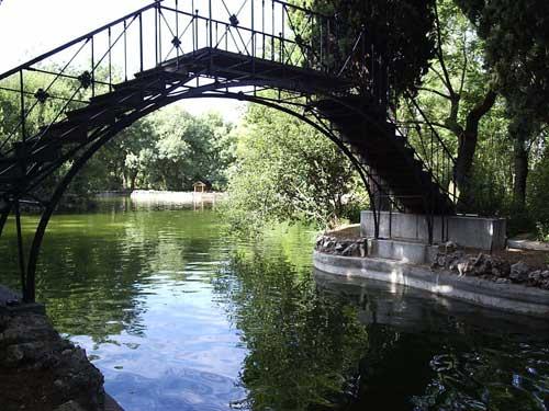 Resultado de imagen de Parque del Capricho (Madrid).