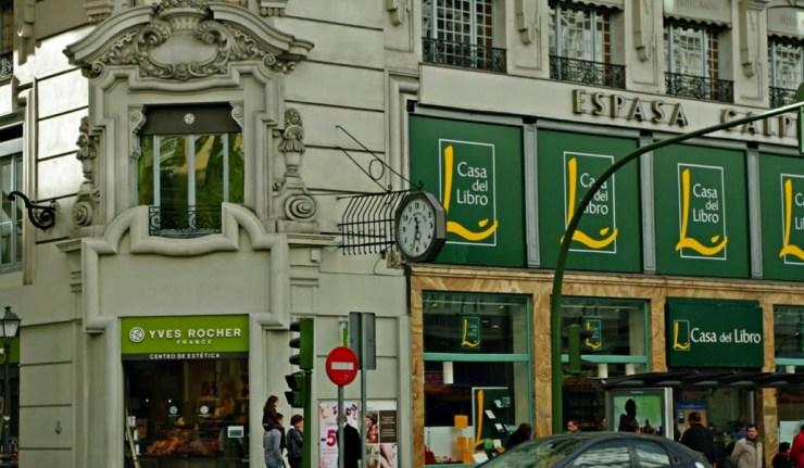 Cristiano ronaldo compra la casa del libro de gran v a - Catalogo gran casa ...