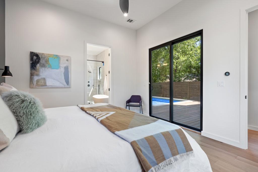 Studio Momentum Architects Master Bedroom