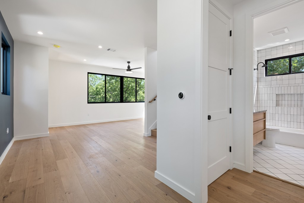 Studio Momentum Architects Upstairs Landing