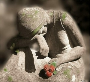 mourning-sculpture-a
