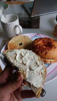 bagels and creamcheese