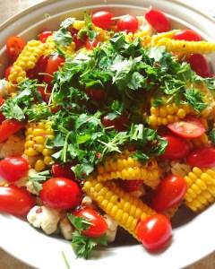 Salat med friske majskolber