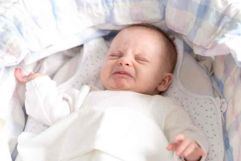 Filho dorme mal - 7 Coisas que atrapalham o bebê a dormir a noite toda // Meu bebê não dorme ! Quantas mães reclamam do sono do seu bebê ? Mal sabem elas que 7 coisas básicas podem estar acordando seus pequenos. Seu filho poderia estar dormir do a noite inteira se você souber evitar esse 7 erros do sono do bebe.