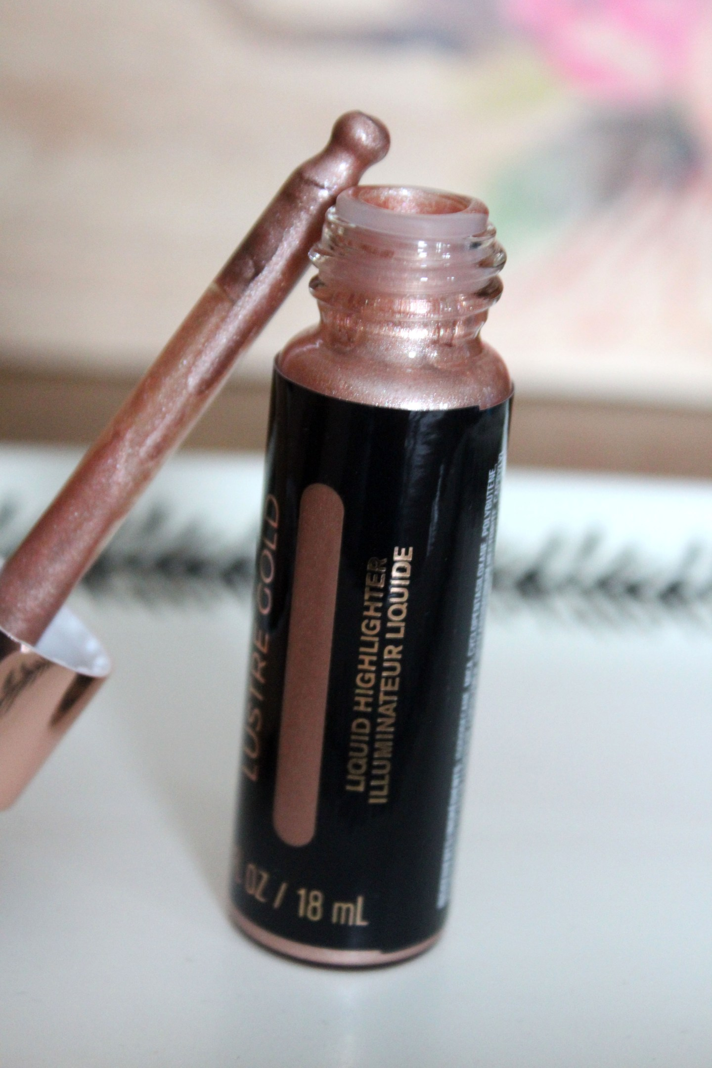 Makeup Revolution Liquid Highlighter Lustre Gold
