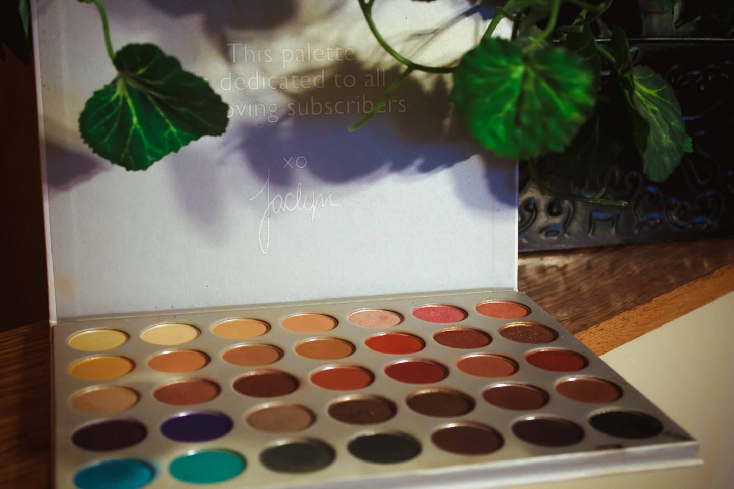 Did Morphe Change the Formula on the Original Jaclyn Hill Palette? 1