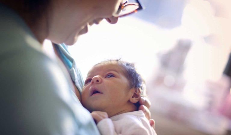 Respiração de um recém-nascido: quais são os sons comuns e o que é normal?