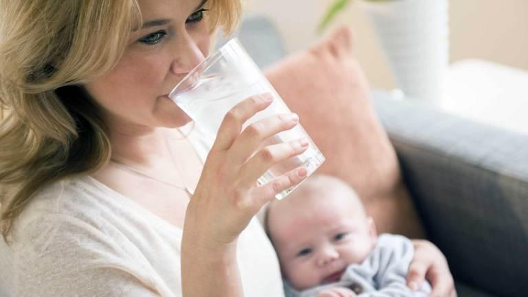 Amamentar dá mais fome e sede