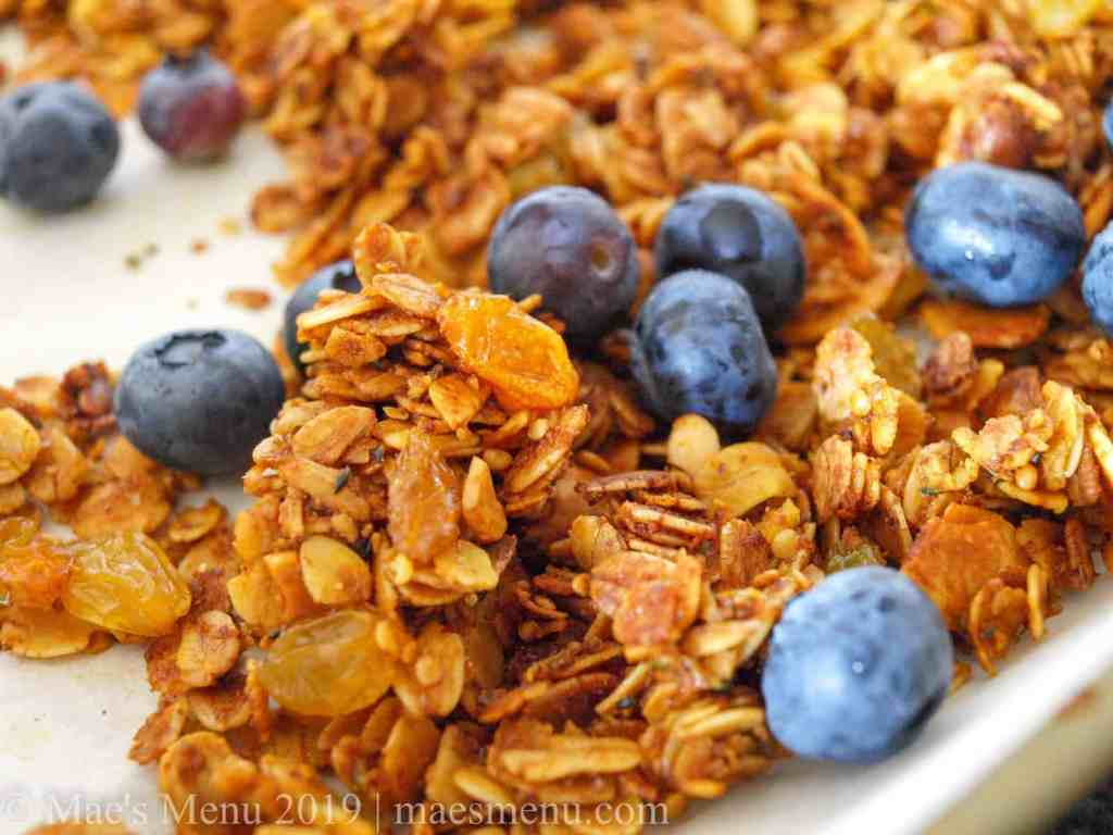 Crunchy turmeric granola with blueberries.