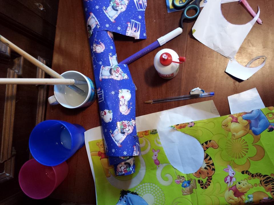 Decorazioni di Natale con materiale di recupero