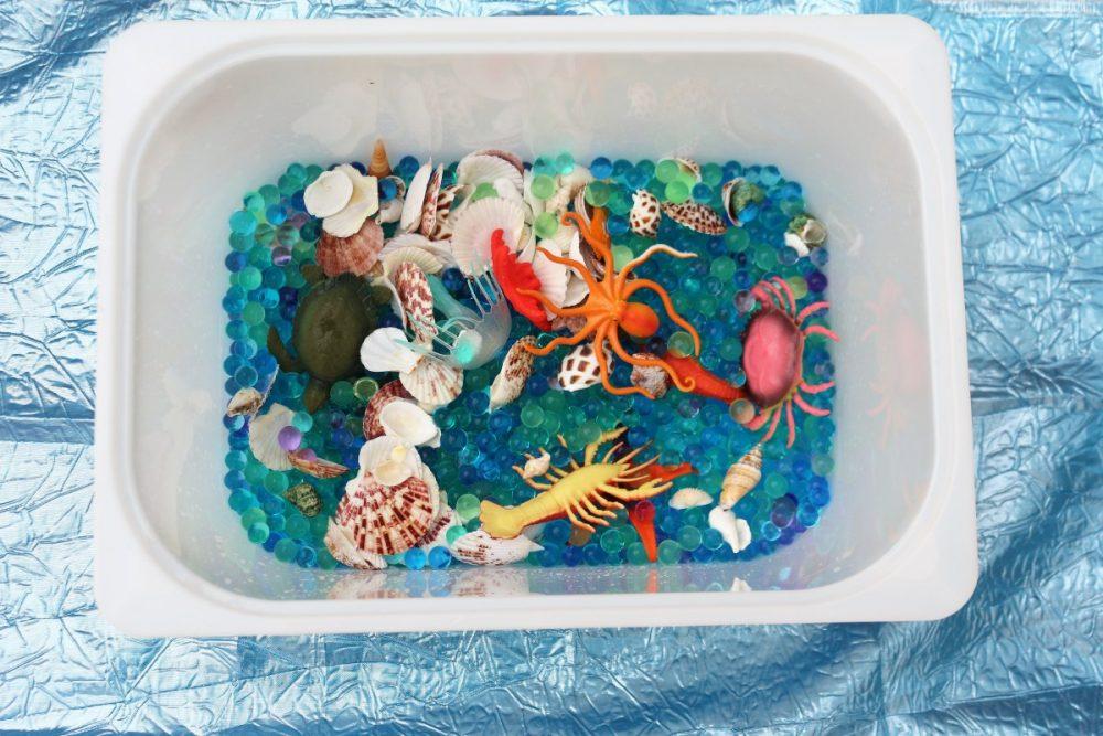 Le vaschette sensoriali per i bambini (asilo nido-scuola dell'infanzia)
