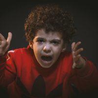 Bambini sovrastimolati: conseguenze