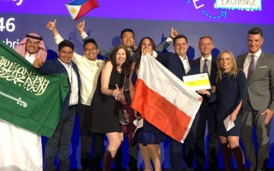 Profesor Peruano gana Premio a la Creatividad en Foro Mundial de Educación