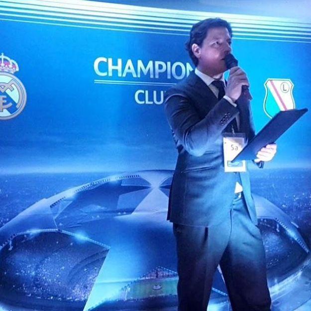 Bilingual Speaker at UEFA CHAMPIONS CLUB partido Real Madrid 5-Leggia Warsaw 1 Estadio Santiago BernabeuWww.prresentadordeeventos.com +34 644 597 199#masterofceremonies #biligualMC #speakerevento #masterofceremoniesmadrid #maestrodeceremoniasuefa