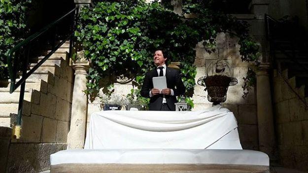 Maestro Oficiante de Ceremonias simbolicas de boda civil en el monasterio de Lupiana Guadalajara. Un marco incomparable lleno de historia para celebrar el matrimonio.