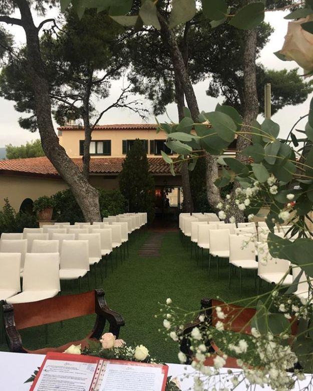 Oficiamos una preciosa ceremonia de celebración de boda civil en el majestuoso Gran hotel Rey Don Jaime de Castelldefels gestionado impecablemente por @grupsoteras. Ni siquiera la amenaza de lluvia fue capaz de empañar la felicidad y la belleza de este momento.#bodaencataluña #granhotelreydonjaime #hotelreydonjaime #bodaengranhotel #maestrodeceremoniabarcelona #bodacivilcastelldefels #bodaencastelldefels #ceremoniacivilbilingüe #oficiantesdeceremonias #ceremoniante#bilingualwedding #masterofceremony #weddinginrussian mc@maestrodeceremonias.es Tel y whatsapp 64597199Www.maestrodeceremonias.es