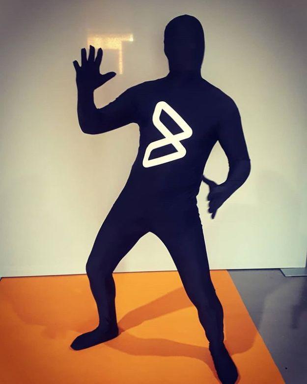 BMCMan el hombre logo en Madrid#actorsforeventsspain #eventactor #actoresparaeventos @castaguillermo#bmcmadrid#bmcexchangeWww.guillermocasta.comWww.presentadoresdeeventos.comWww.maestrodeceremonias.es