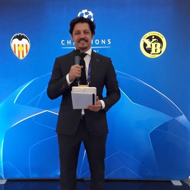 UEFA CHAMPION CLUB Speaker al Mestalla ValenciaWww.presetadordeeventos.com/guillermocastaMc@presentadordeeventos.comTel: +34 644 597 199#speakerspain #eventspain#eventhost #masterofceremonies #biligualMC #bilingualspeakers #madridevents #uefachampionsclubspeaker #uefachampionsleague #uefaspeaker #championsleaguspeaker