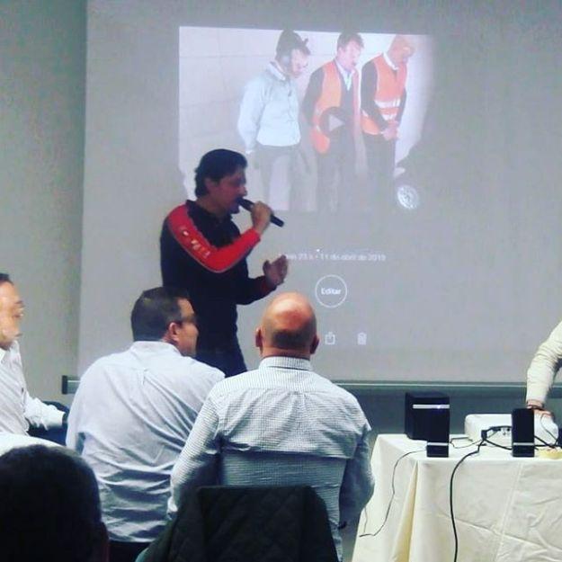Presentando el festival de Cortos enmarcado en el TeamBuilding de Cine para empresa en Alcalá de Henares