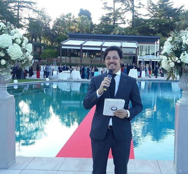 Hoy celebramos como maestros oficiantes de ceremonias una preciosa ceremonia de boda internacional impecablemente organizada en el majestuoso y elegante Hotel Fairmont Rey Juan Carlos ***** de Barcelona. @barcelonaontreyjuancarlosi#hotelbarcelona #barcelonamasterofceremonies #barcelonawedding #maestrodeceremonia #maestrodeceremoniasbarcelona #bodacivil  #bodaenbarcelona #ceremoniasciviles  #oficiantesdeceremonias #ceremoniantes mc@maestrodeceremonias.es Tel y whatsapp 64597199Www.maestrodeceremonias.es