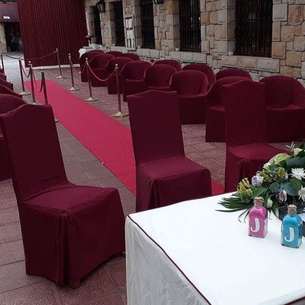 Celebramos una preciosa ceremonia de boda civil elegante y emotiva pero con toques de humor en el Restaurante Iturgitxi en Berango, Bizkaia