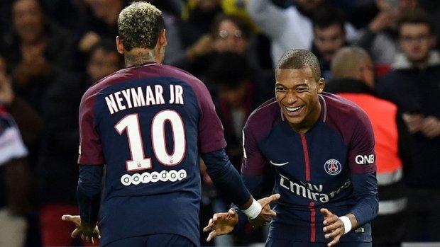 Neymar dan Mbappe-buat jersey bola