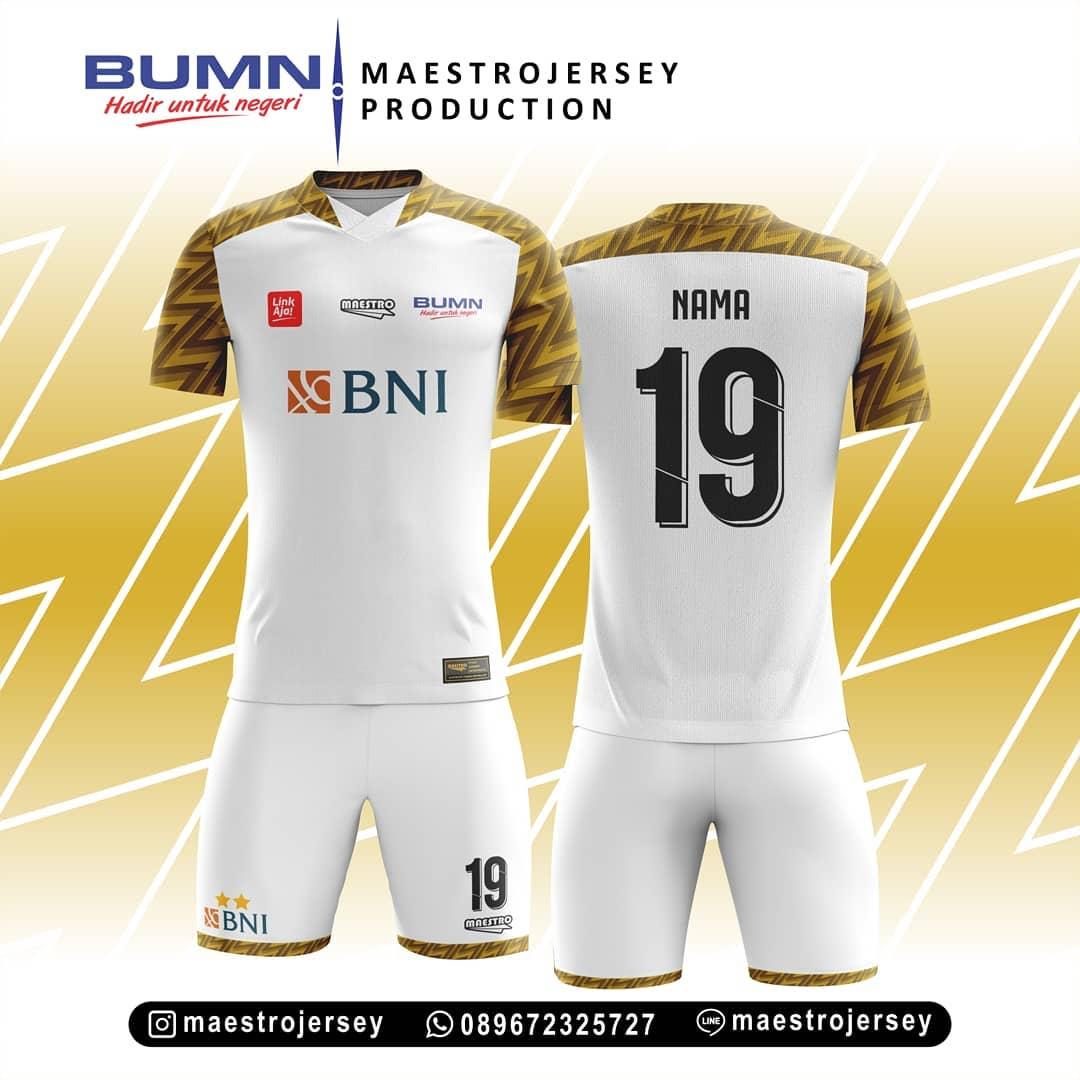 Desain Jersey Putih Kombinasi Motif Emas