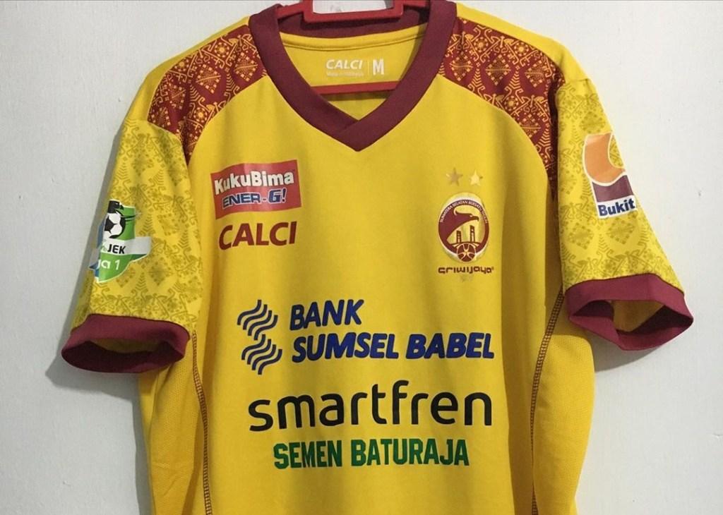 Jersey Sriwijaya dengan apparel calci