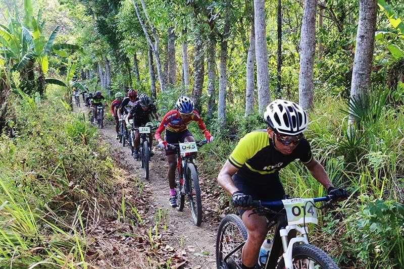 sepeda gunung cross country