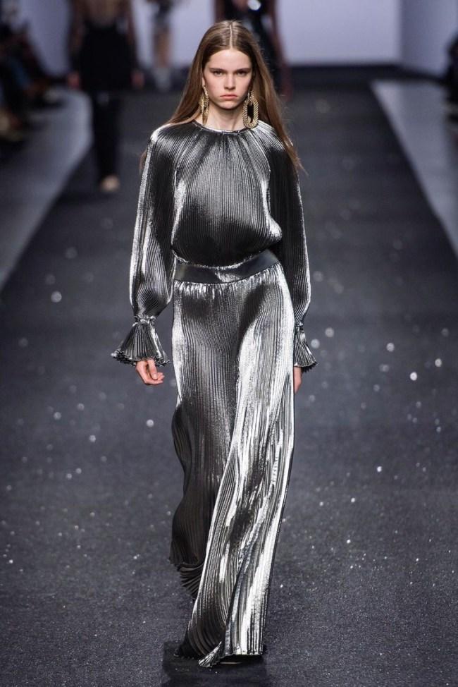Платья из металлизированной ткани