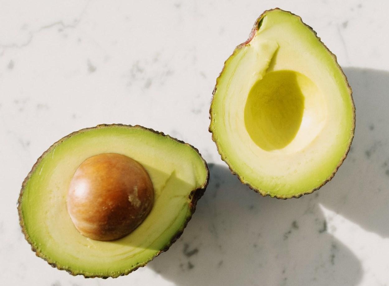 полезные веганские продукты для кожи лица авокадо