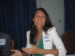 Mme Katie Chau