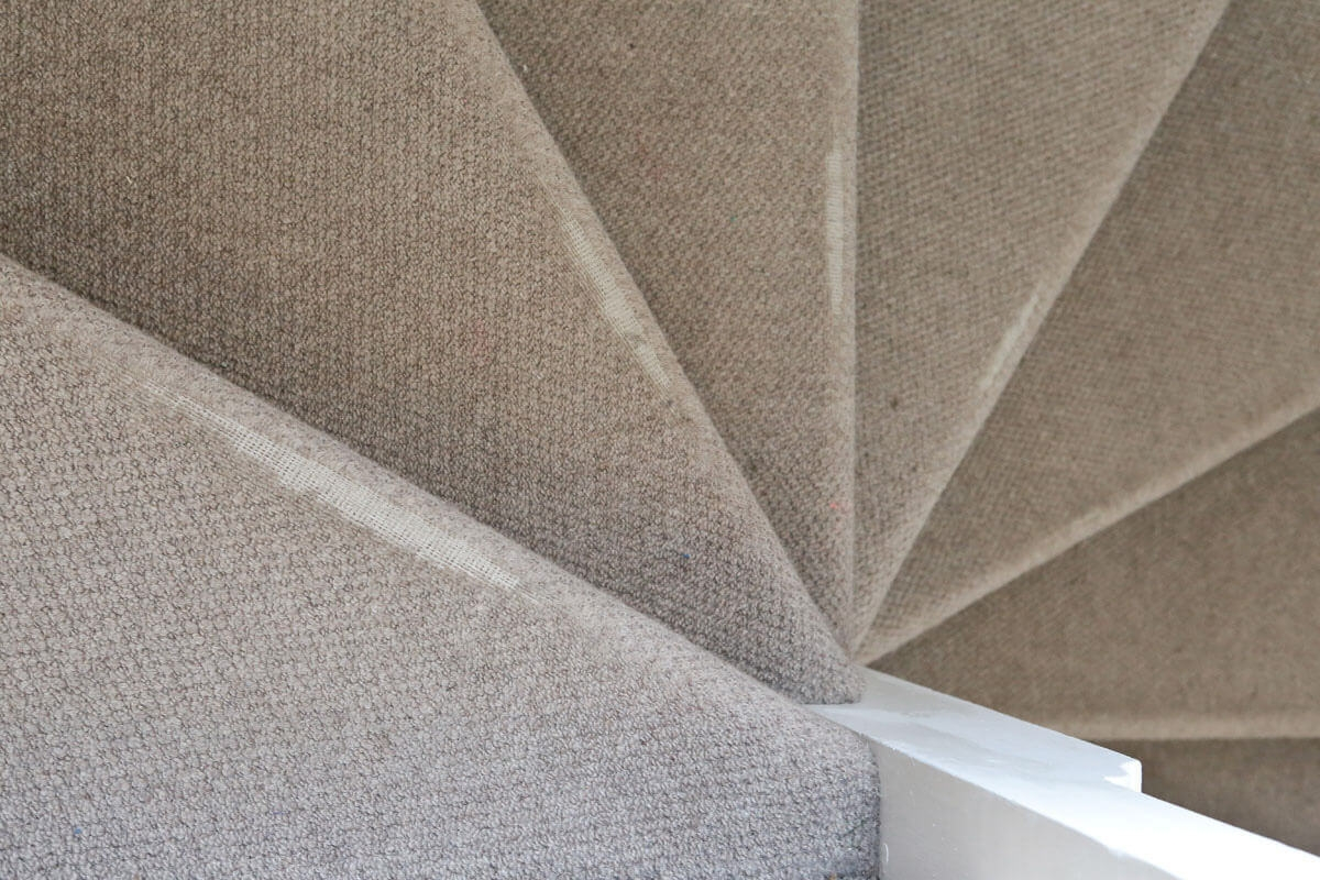 10 Tips For Choosing Carpets For High Traffic Areas Like Halls   High Traffic Carpet For Stairs   Traditional   Textured   Family Room   Middle Open Concept   Runners