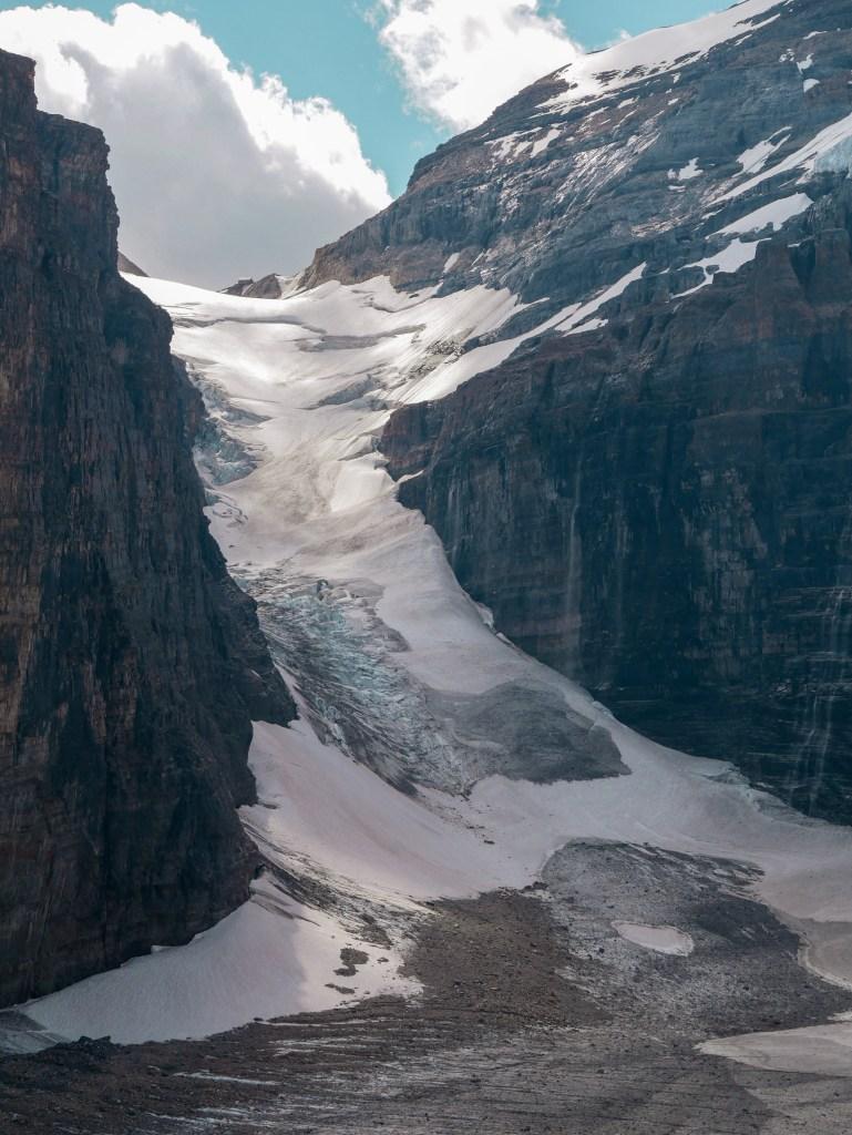 Plaine des 6 Glaciers Trail