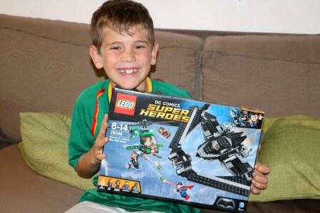 Eines der coolsten Geburtstags-Geschenke war diese Lego-Packung von Super Heroes. Danke, Omi und Opi!