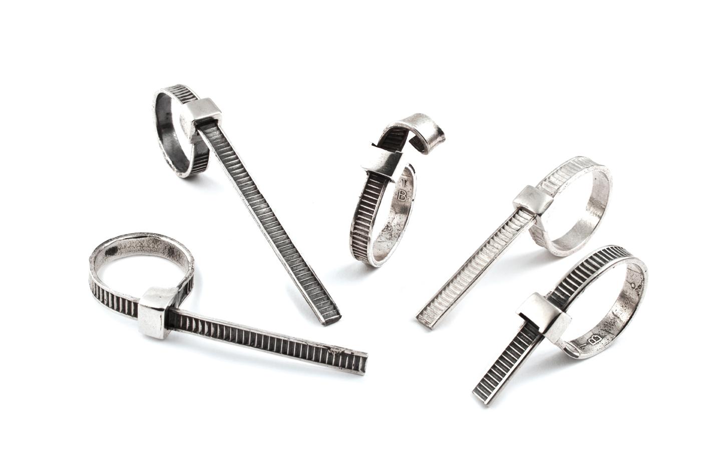 Tie R Rings